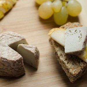 Vegan cucuteni - vegan formaggio